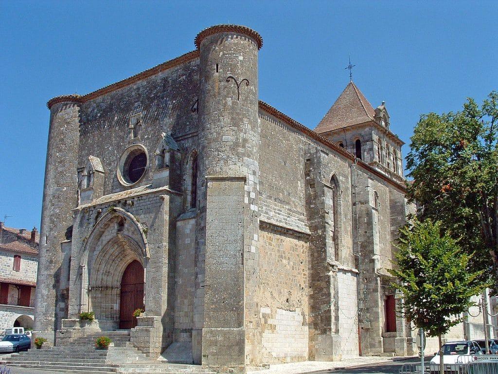 Mézin : Facade occidental de l'église Saint-Jean-Baptiste