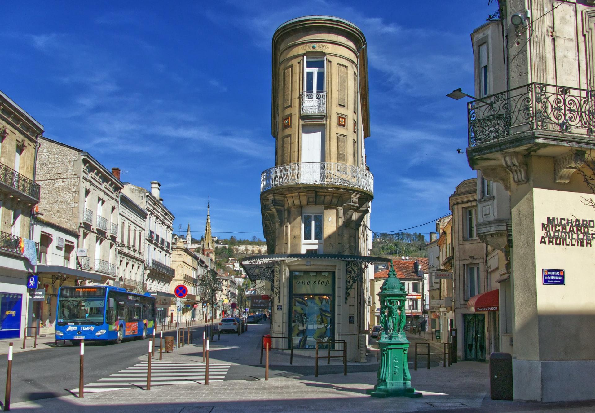 Centre-ville d'Agen (47000) au 1 Rue des Cornières