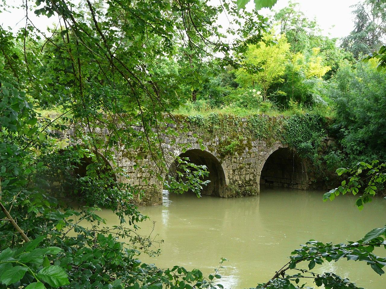 Le pont de Tauziète sur l'Osse entre Andiran et Nérac
