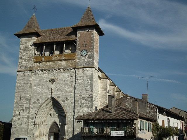 Facade principale de l'Église Notre-Dame de Villeréal