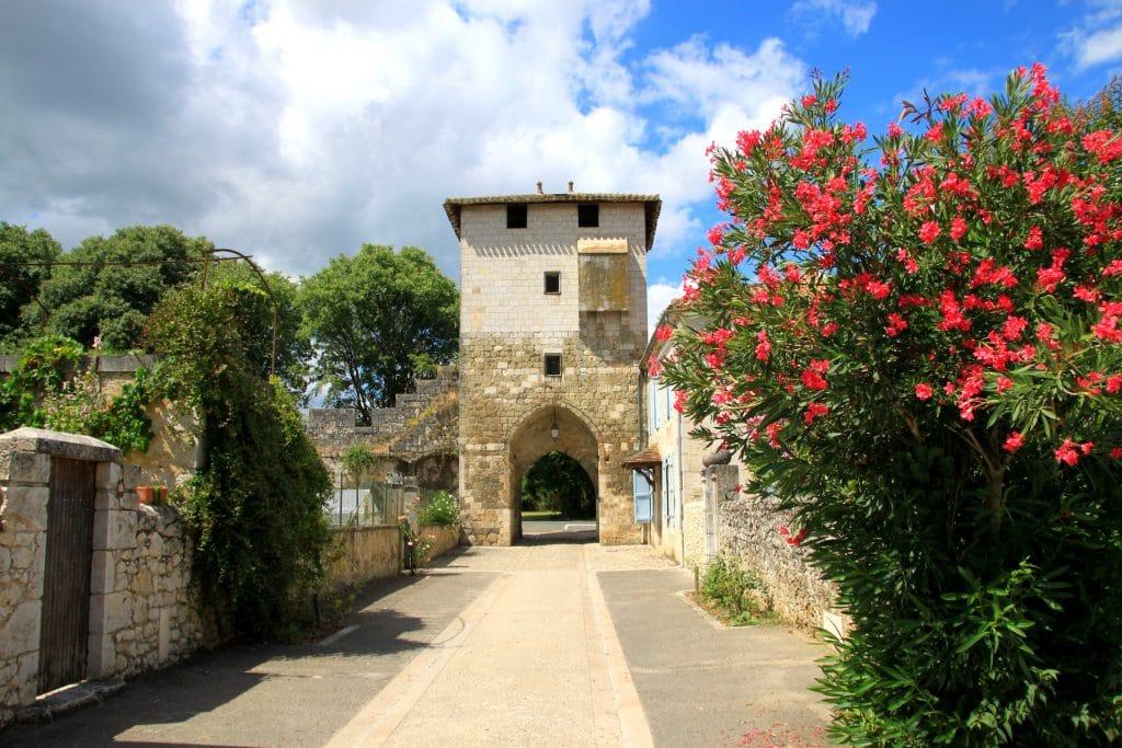 View of a lane from inside the Bastide de Vianne
